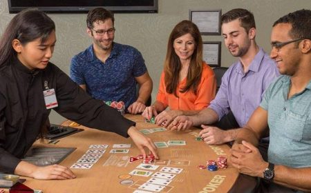 Cara Paling Asyik Bermain Holdem Poker di Rumah